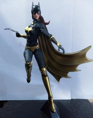 Batgirl - Arkham Knight  1/10 Art Scale Iron Studios